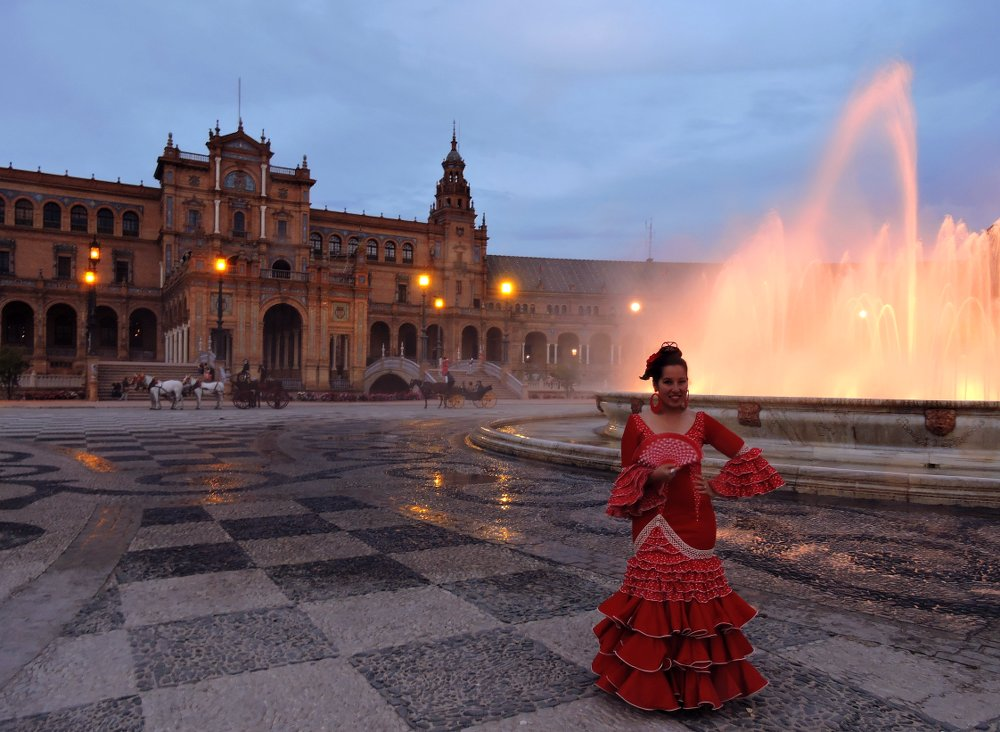 The Plaza de España is one of the most beautiful areas in Sevilla
