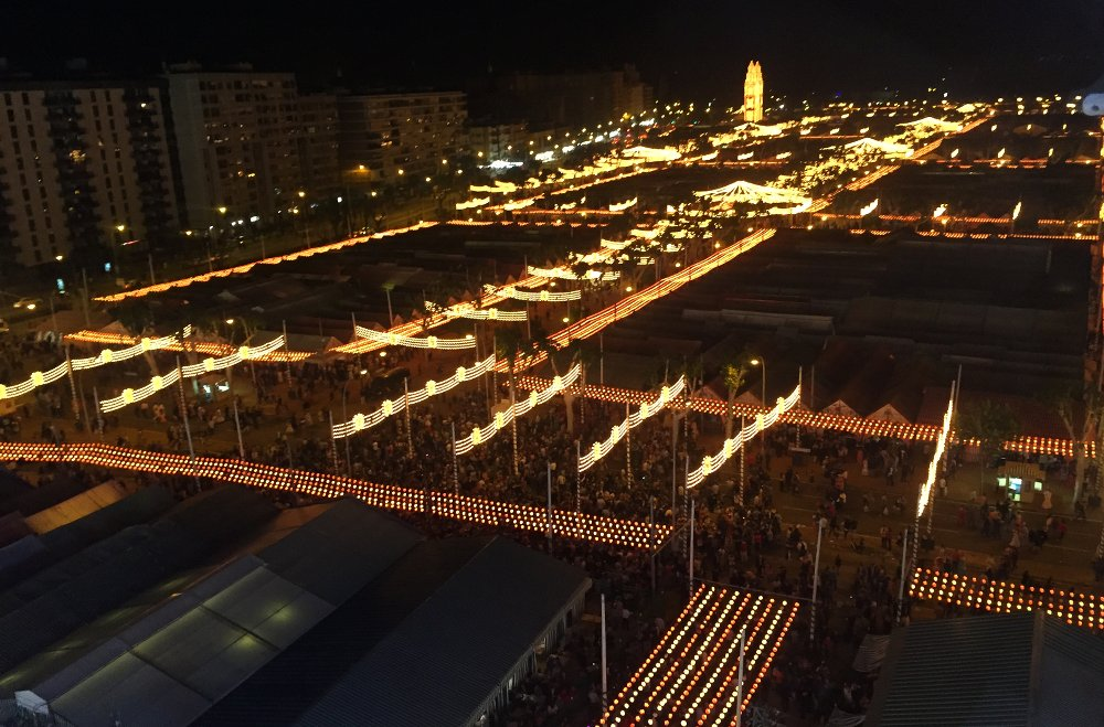 The feria grounds spread out over 1.2 km²!