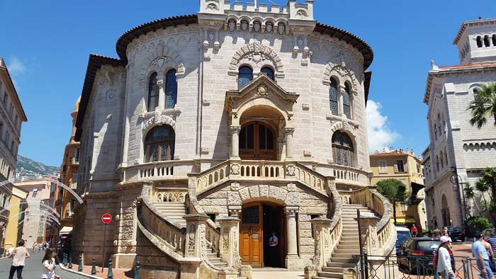 An old, but architecturally modern building in 'Old' Monaco