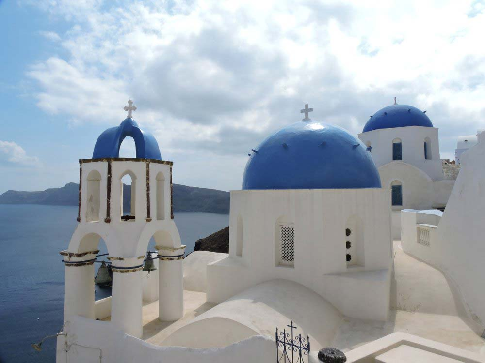 The iconic blue-domed churches...