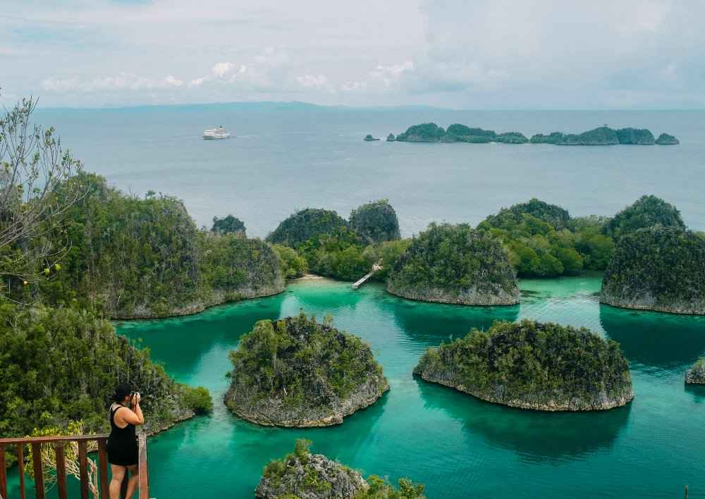 Getting the perfect photo in Raja Ampat
