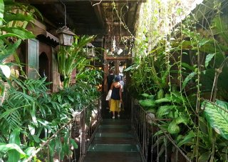 La Favela, Seminyak, Bali