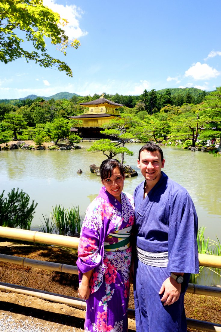 Sightseeing in Kyoto in kimonos