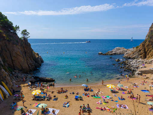 Platja d'es Codolar is a favourite beach in Tossa de Mar